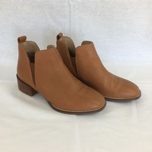 SEYCHELLES - Offstage Chelsea Boots.